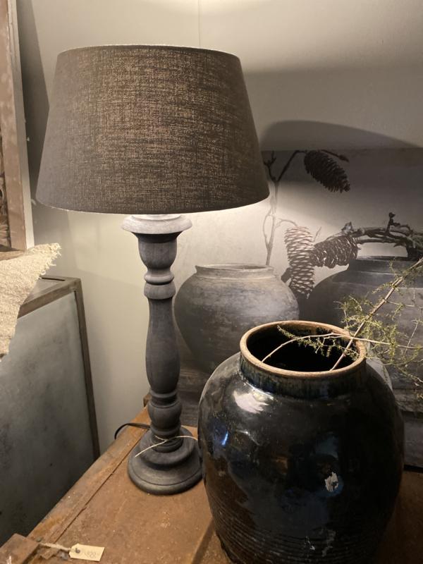 Stoere naturel grijs bruine houten balusterlamp 50 cm tafellamp landelijk stoer robuust