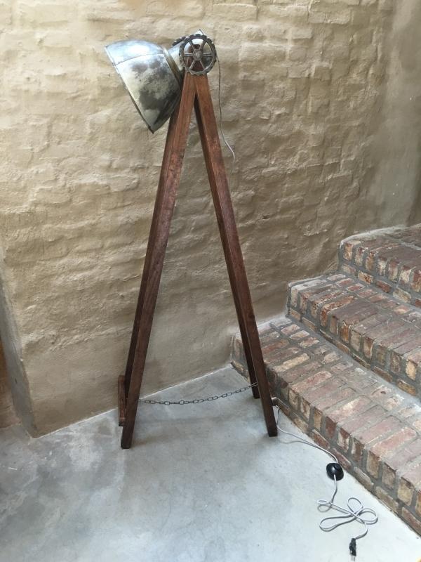 Houten met metalen vloerlamp industrieel landelijk vintage hout 110 cm
