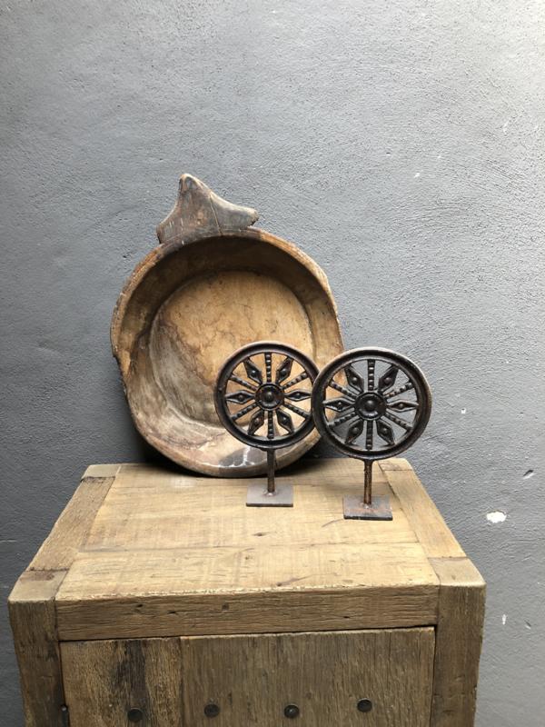 Gietijzeren ronde Mandela zon decoratie rond op standaard pin landelijk industrieel wiel