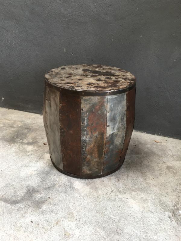 Stoere metalen bijzettafel 45 x H49 cm bijzettafeltje tafel tafeltje industrieel landelijk stoer metaal ijzer urban grijsbruin