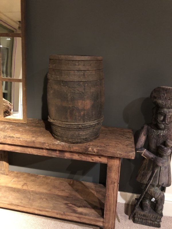 Originele oude houten regenton vat ton landelijk industrieel oud vaas pot 59 x 36 cm