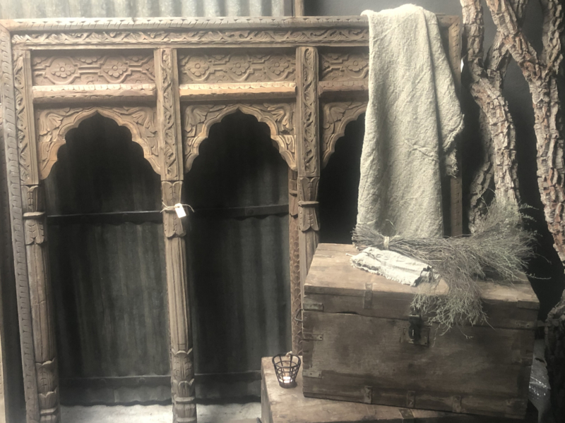 Groot Oud houten lijst sierlijst 150 x H153 cm kozijn 3 Luik venster paneel landelijk Oosters  tempellijst