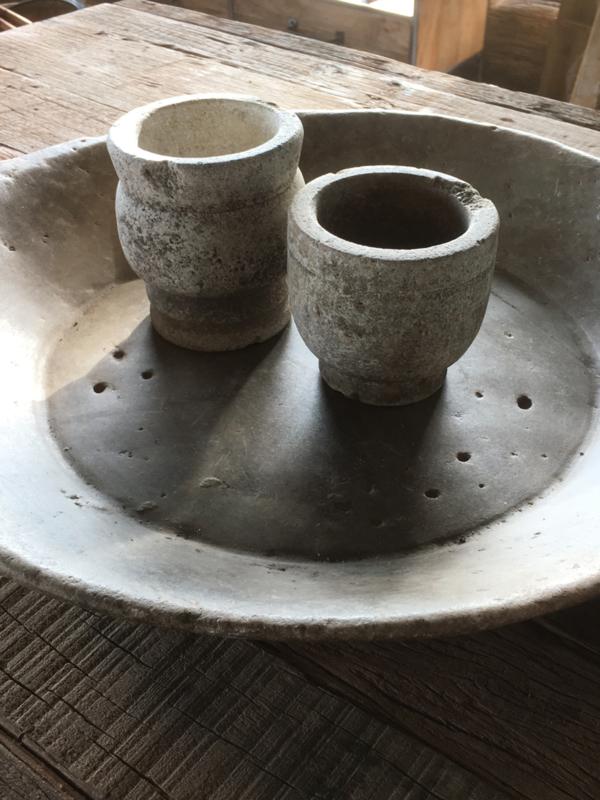Oud stenen vijzelpotje vijzel pot landelijk stoer