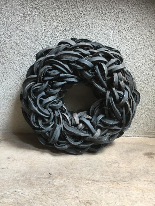 Zwarte Krans krul Coco cut wreath 35 cm black donkergrijs