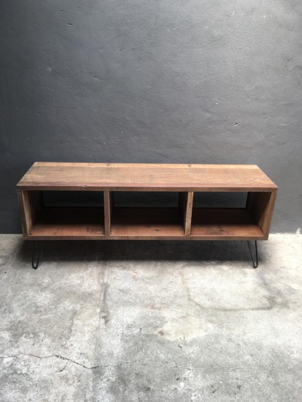 Oud railway vergrijsd doorleefd houten tv meubel televisiemeubel televisiekast televisie kast dressoir kast 150 x 40 x 60 cm landelijk stoer industrieel vintage hout houten metalen pootjes