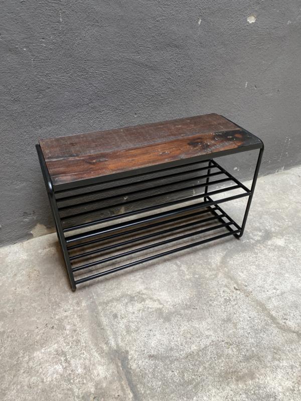 Zwart metalen schoenenrek 70 x 29 x H46 cm bankje rek schap kastje houten zitting landelijk stoer industrieel vintage
