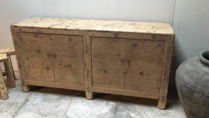 Landelijk vergrijsd houten kast dressoir sidetable sideboard stoer 2 deurs legplanken
