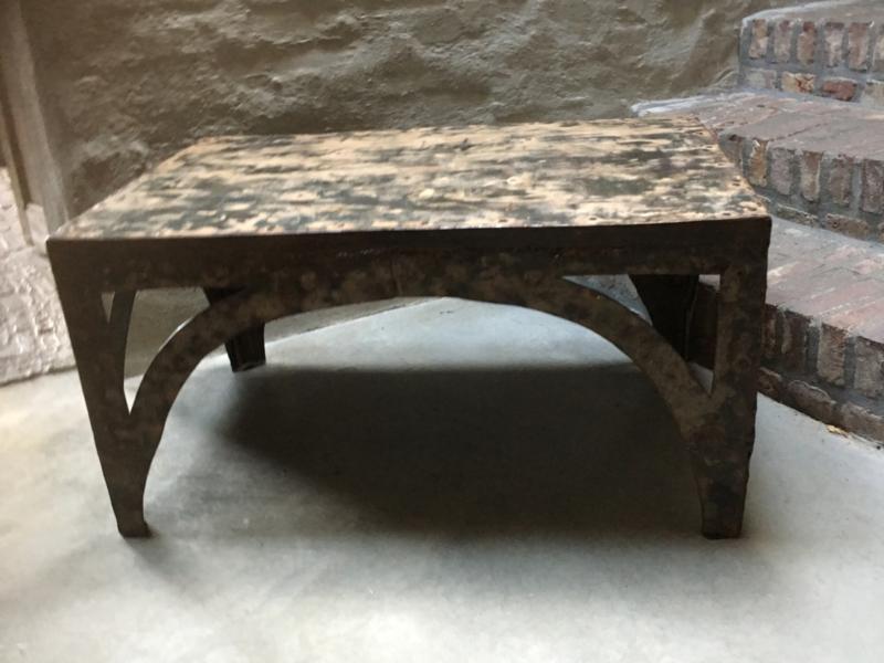 Industriële metalen salontafel bijzettafel metaal ijzer industrieel urban vintage landelijk grijsbruin stoer