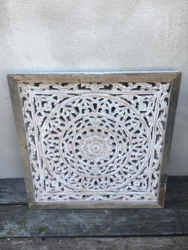 Vierkant houten paneel Wandpaneel whitewash licht grijs light grey + oud teakhouten rand wandornament tegel 60 x 60 cm sand zand wandornament landelijk Mandela afbeelding landelijk