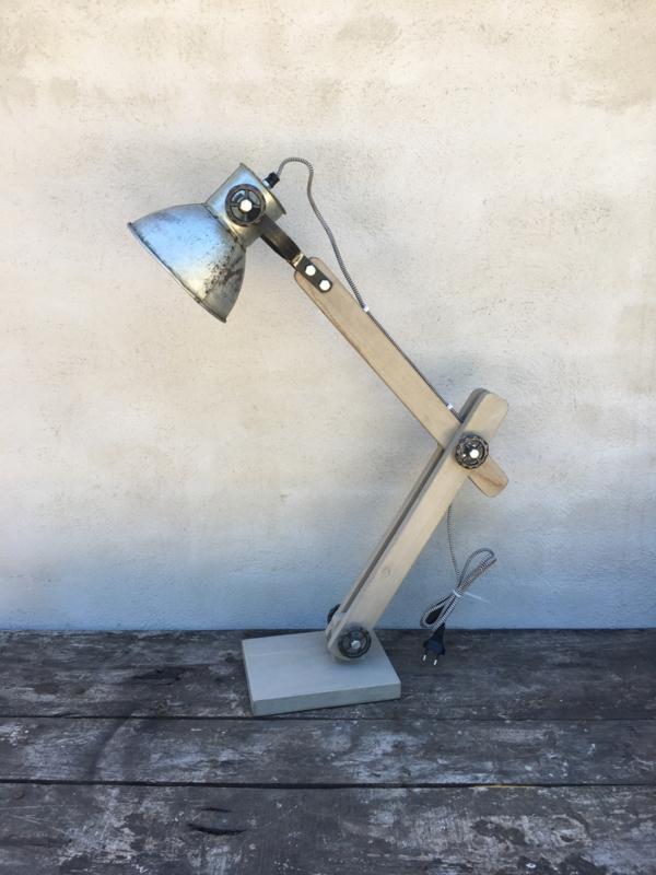Vintage industriële lamp tafellamp Burolamp bureaulamp wandlamp landelijk industrieel hout metaal grijs vergrijsd verzinkt kapje zink zinken