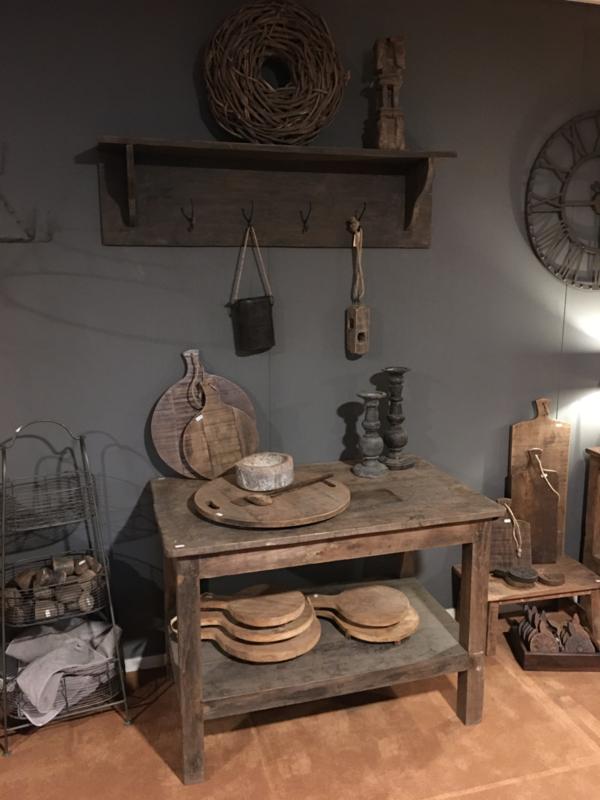 Oud houten tafel met onderblad werkbank hakblok keukeneiland sidetable werktafel keukentafel winkeltafel landelijk industrieel vintage stoer urban hout