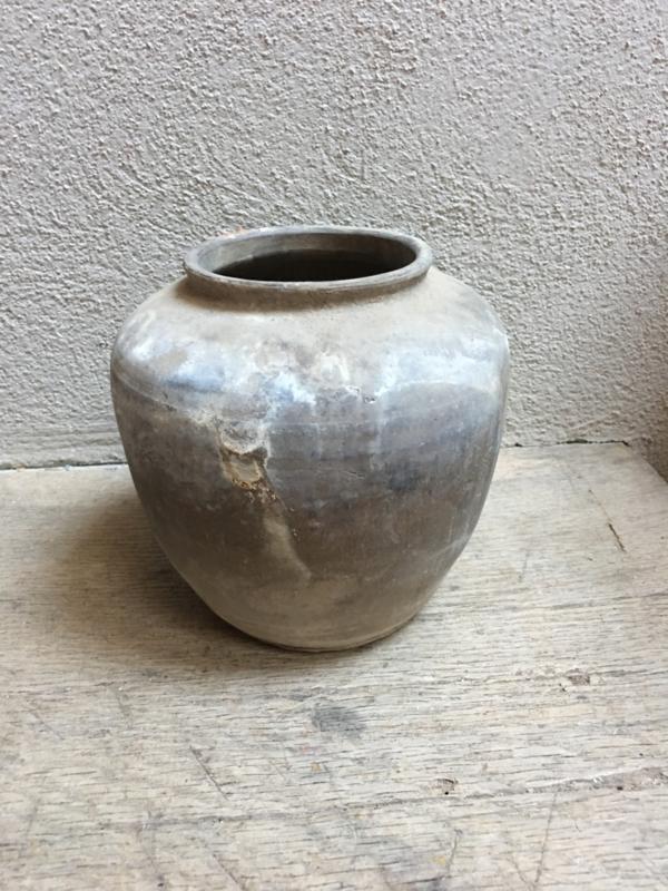 Prachtig oud stenen kruikje pot kruik vaas landelijk steen grijs
