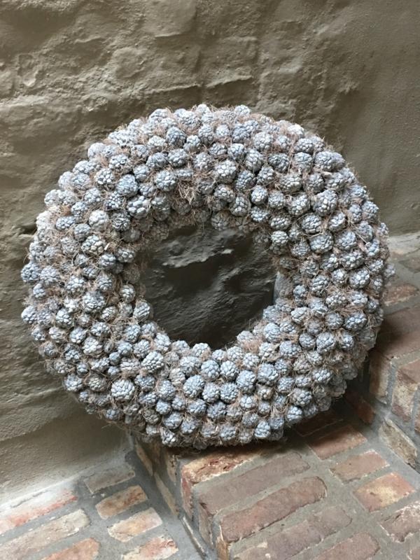 Ata fruit wreath krans grijs 55 cm vergrijsd