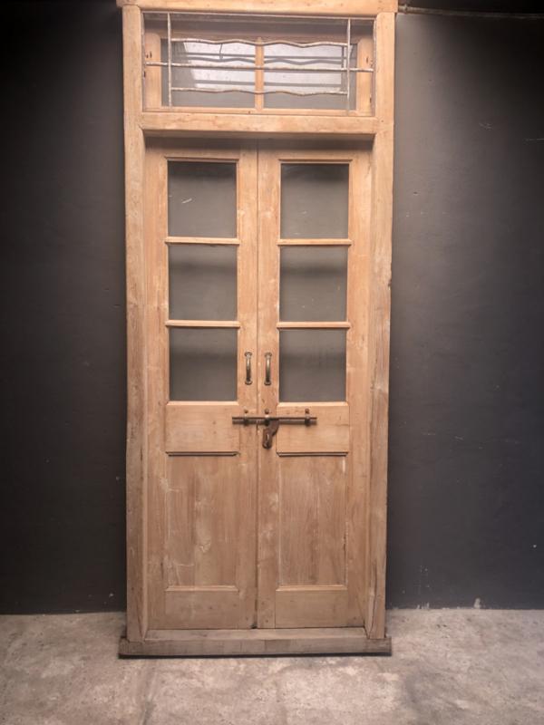 Prachtige oude dubbele deuren in kozijn glas met bovenlicht 262 x 106