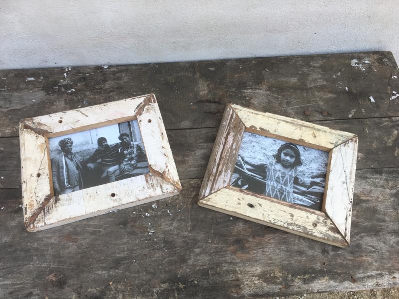 Sloophouten fotolijst fotolijstjes fotolijstje lijst lijstje crème gebroken wit Color colour gekleurd kleur kleurtjes verf frame foto photo vintage landelijk