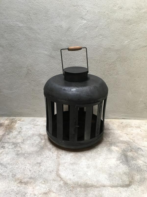 Grote metalen lantaarn windlicht metaal oud zwart stoer urban shabby industrieel landelijk M