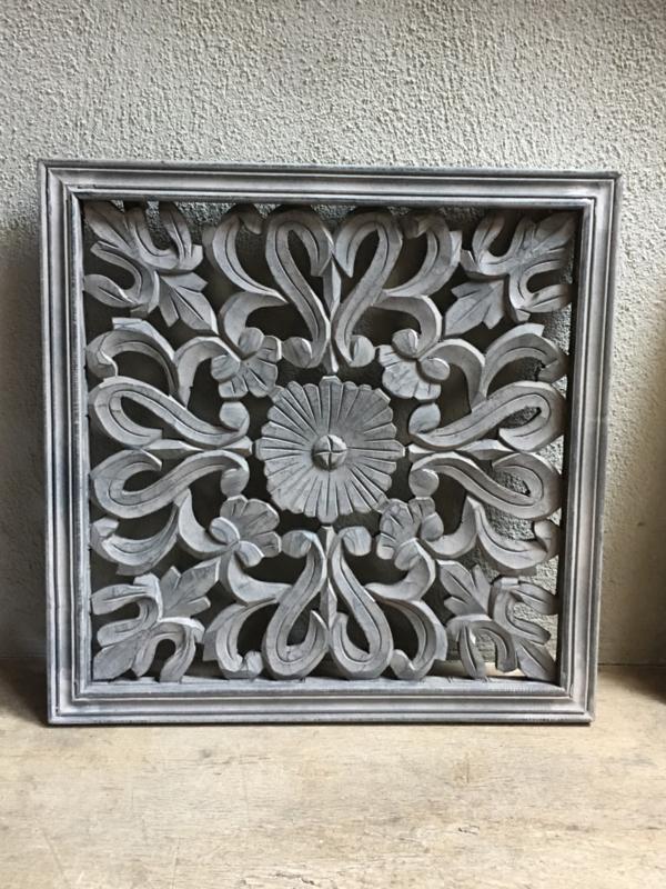 Stoer landelijk oud houten wandpaneel 45 x 45 cm grijs taupe wandornament luikjes wandpanelen wanddecoratie hout panelen luiken