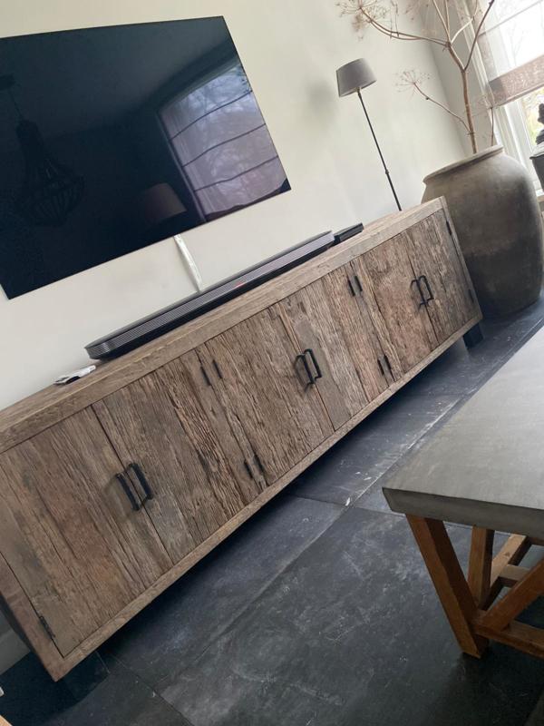 Prachtig groot stoer grof houten Dressoir tv kast televisiemeubel landelijk robuust industrieel