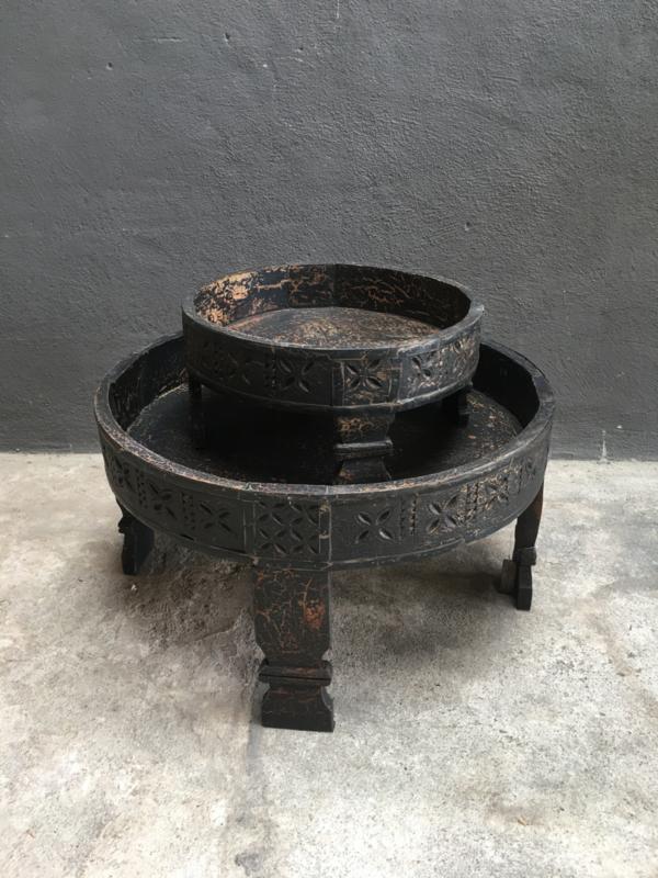 Kleine houten grinders grinder tafeltje dienblad schaal zwart zwarte vintage landelijk stoer rond ronde bak
