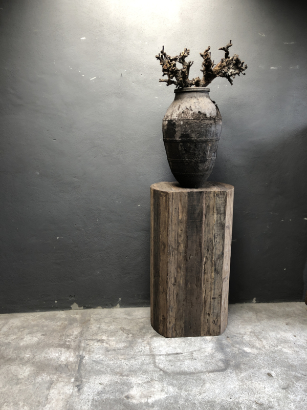 Stoere houten salontafel teakhouten teakhout hout 110 x 60 cm sokkel zuil kolom landelijk stoer industrieel