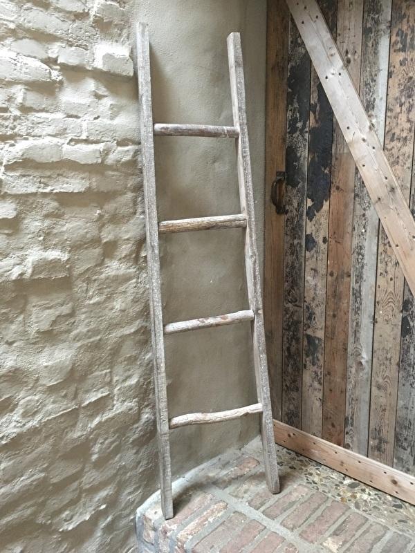 Oud houten ladder laddertje trap trapje handdoekenrek 150 cm landelijk vergrijsd