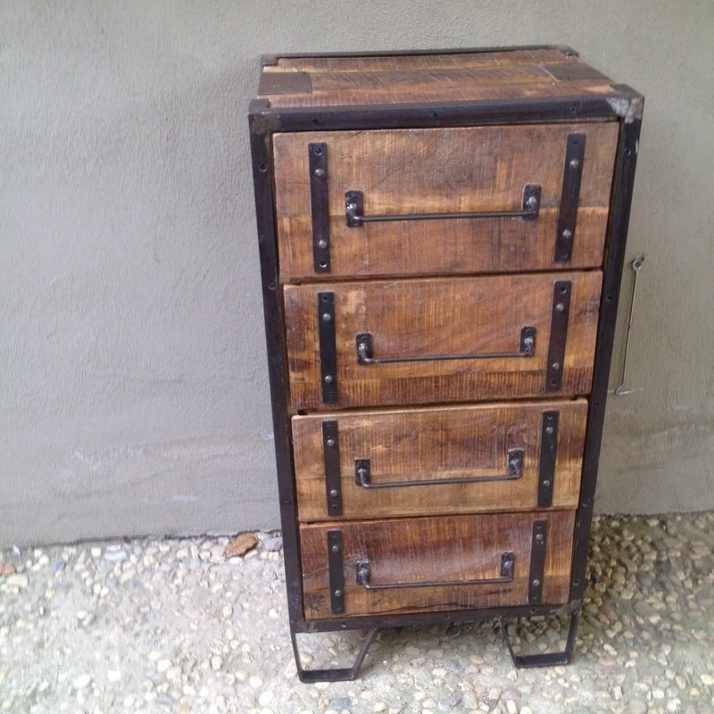 Stoer houten industrieel landelijk kastje kast ladenkast vintage Factory ladekast factory metaal hout 4 laden halkastje
