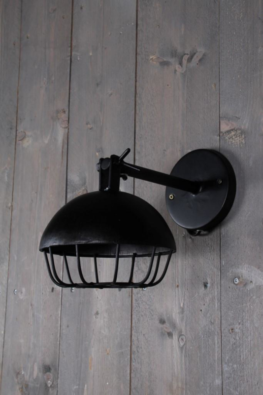 Stoere zwarte roest metalen wandlamp wandlampje lamp industrieel metaal zwart vintage Brocant stoer urban spot