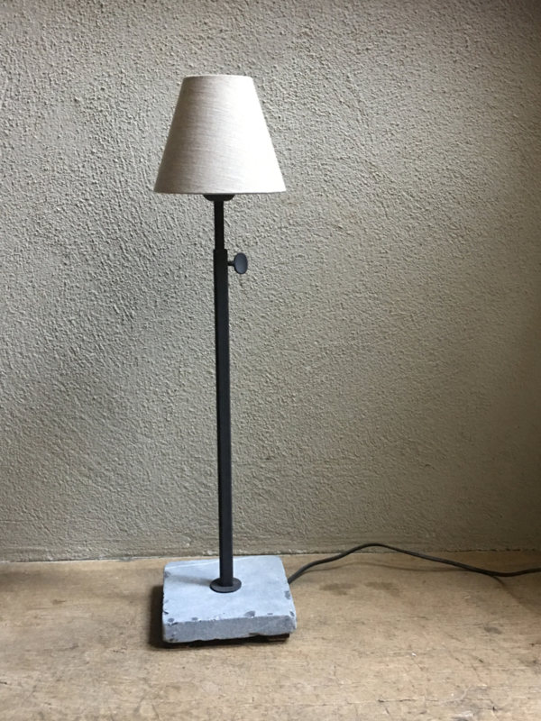 Tierlantijn frezoli tafellamp hard stone matzwart staander kleur lamp lampje hardsteen voetje landelijk stoer