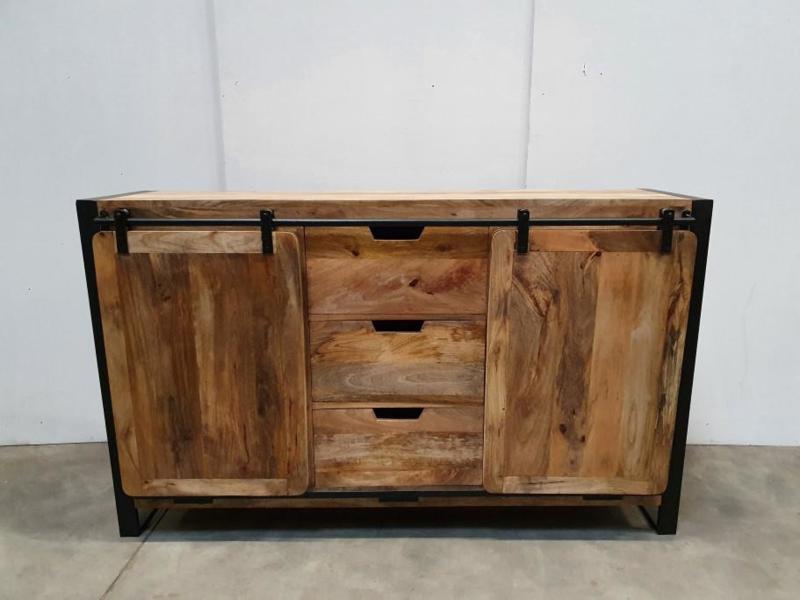 Industriële kast schuifdeuren  150 x 40 x H90 cm hout metaal houten metalen landelijk industrieel