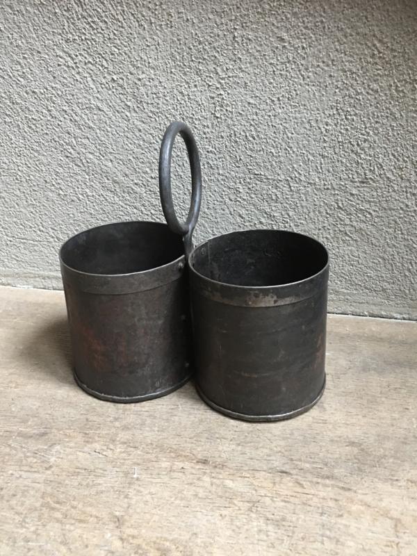 duo 2 bakjes Stoere metalen bakjes met hengsel bottle holder Duobak duobakje bestekbak wijnfles wijnrek flessenhouder bestekbak pot bak landelijk industrieel