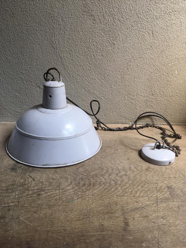 Industriële vintage retro hanglamp lichtgrijs grijs grijze  lampekap met wit metaal