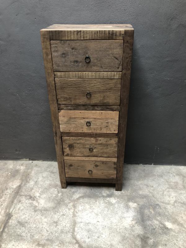 Vergrijsd houten kast klerenkast kleerkast kastje oud hout 5 ladenkast keukenkast  landelijk industrieel