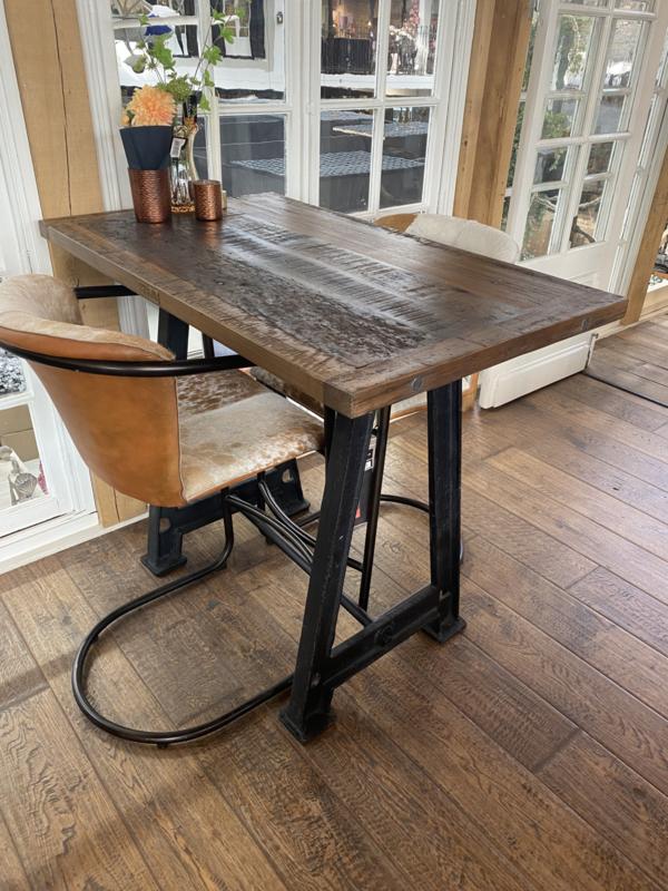 Stoere industriële bartafel tafel eettafel statafel staantafel hangtafel sta-tafel 160 x 80 x H100 cm dining table zwart gietijzeren onderstel met houten blad