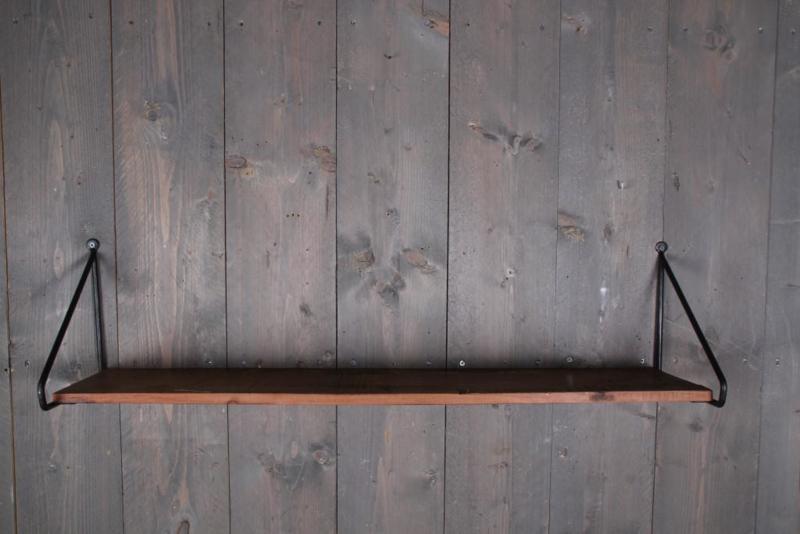 Stoere wandplank met ijzeren beugels 100x27cm