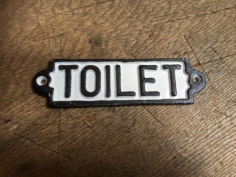 """Gietijzeren plaatje deur bordje deurbordje naambordje """"toilet"""" zwart wit landelijk nostalgisch industrieel grootmoederstijd brocant"""