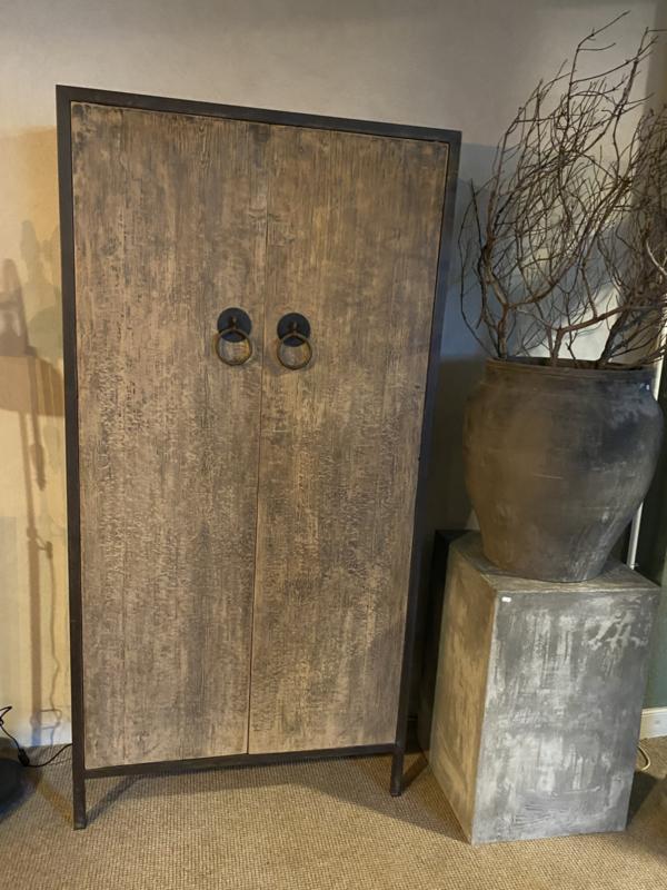 Grote houten 2 deurs kast stoer landelijk industrieel linnenkast servieskast 200 x 100 x 40 cm