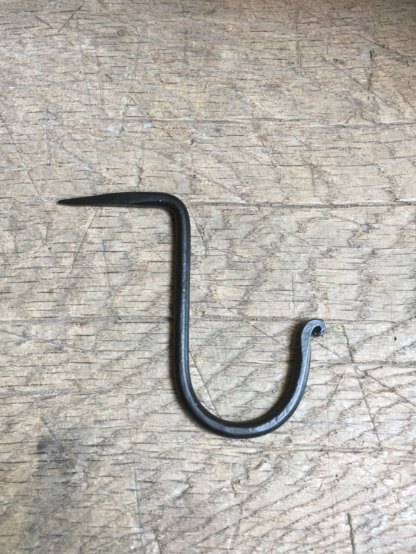 Smeedijzeren zwarte haak large groot haakje wandhaak nagel nail spijker kapstokhaak kapstokhaakje