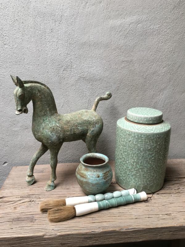 Groot Metalen paard paardje horse pferd metaal oud brons kleur groen beeld beeldje