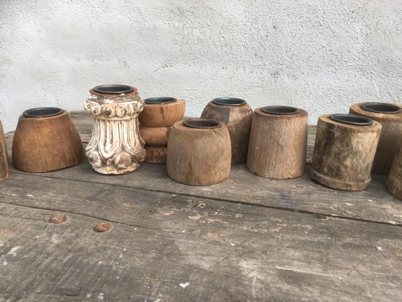 Oud vergrijsd doorleefd naturel houten theelichtje grof oud sloophout kandelaar waxine waxinelichtje theelichtjes stoer landelijk industrieel robuust doorleefd vergrijsd
