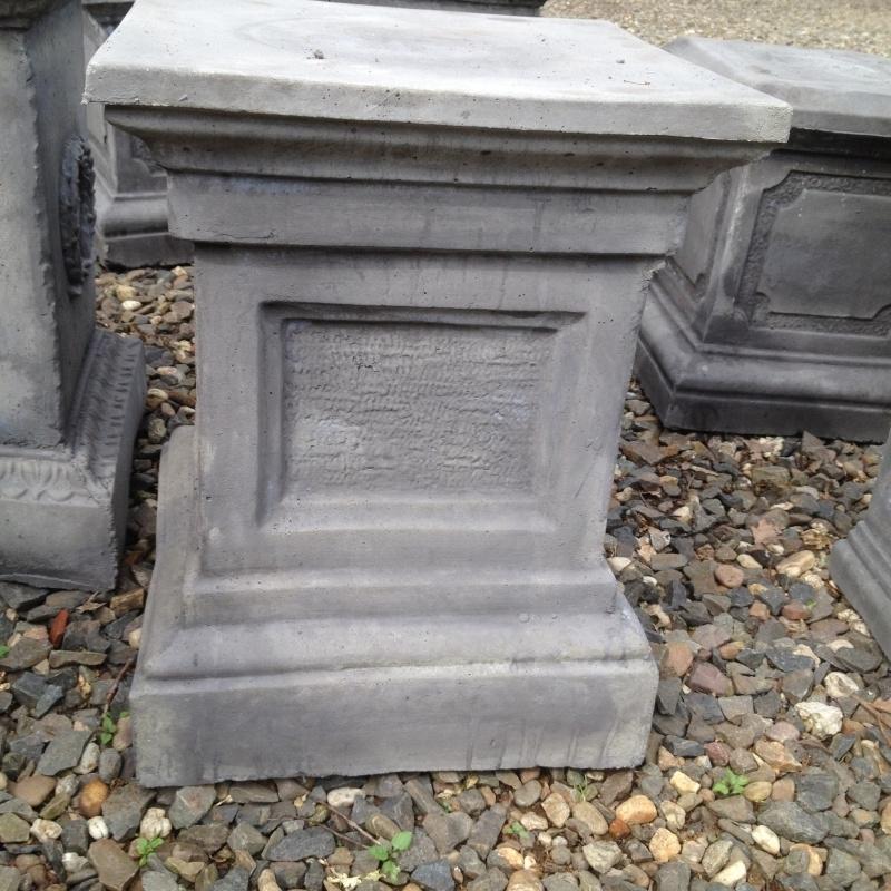 sokkel zuil massief beton grijs