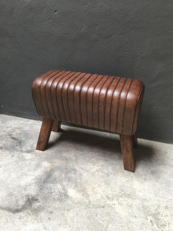 Vintage kruk met leren zitting gym bok landelijk industrieel leer hout 70 cm