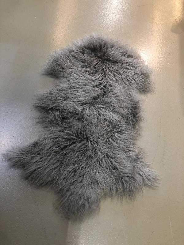 Grijze Huid vacht krul schaap grijs beige schapenvachtje