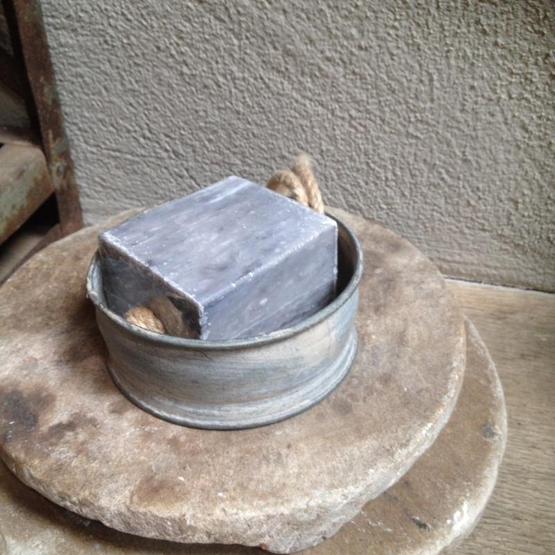 Zinken bakje zeepbakje Schaaltje rond zink grijs schaal landelijk