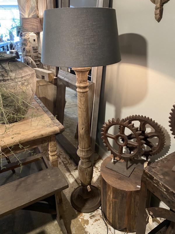 Stoere houten balusterlamp stoer industrieel ballusterlamp vloerlamp 125 cm tafellamp landelijk stoer robuust