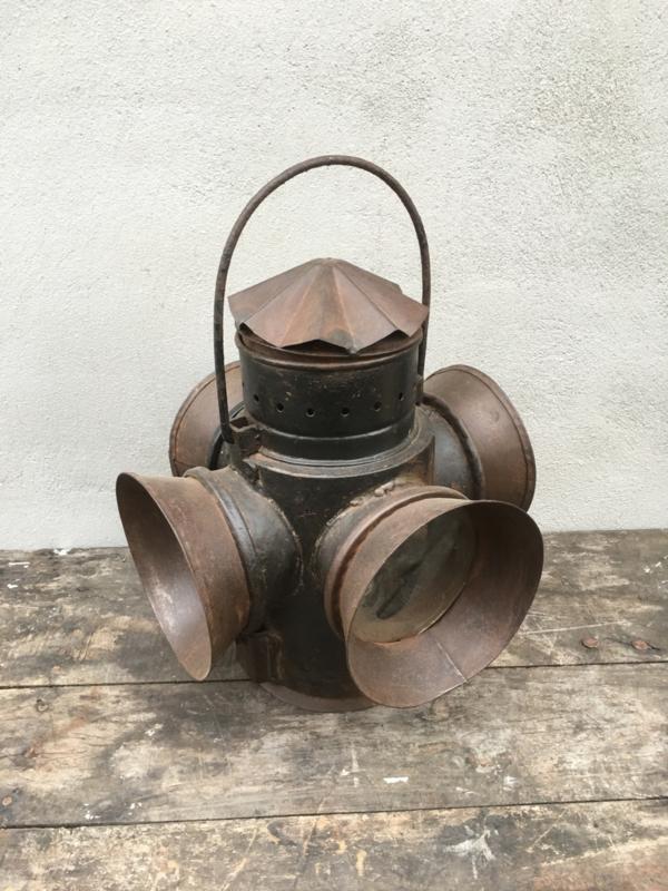 Oude metalen scheepslamp landelijk industrieel vintage spoorweglamp stallamp olielamp lamp  kandelaar windlicht metaal
