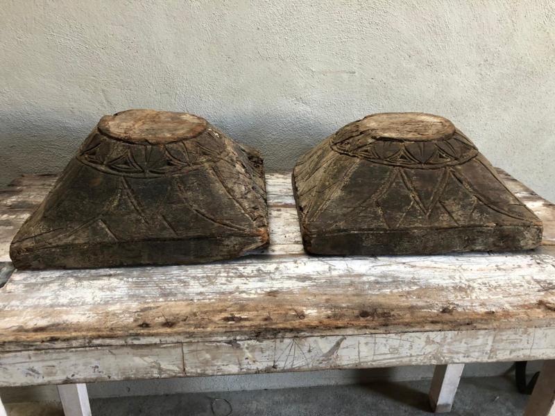 Gave grote oude vergrijsd houten poer kandelaar landelijk stoer oud hout console