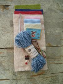 materiaalpakketje wollen jasjes, sjaals en wanten voor familie muis
