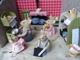ansichtkaart de keuken van familie muis