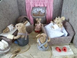 Felt Kit 'Baby Mice Born' with pattern