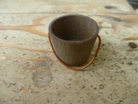 houten emmer bruin
